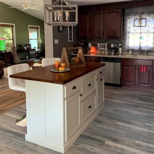 Kitchen island with drawers